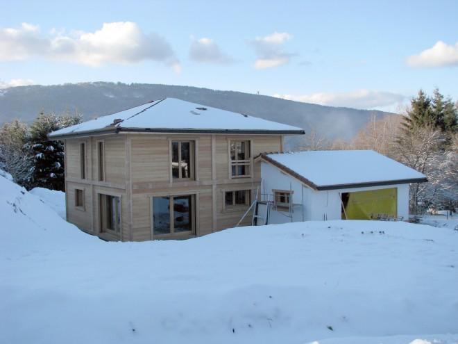Maison mur bois massif en haute savoie for Maison bois massif